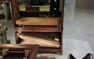 music_house_cabinet_organ